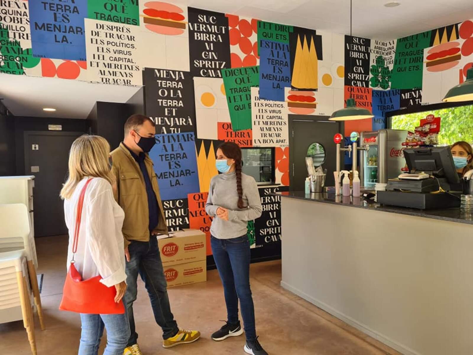 L'alcalde ha visitat el nou restaurant Traga'm