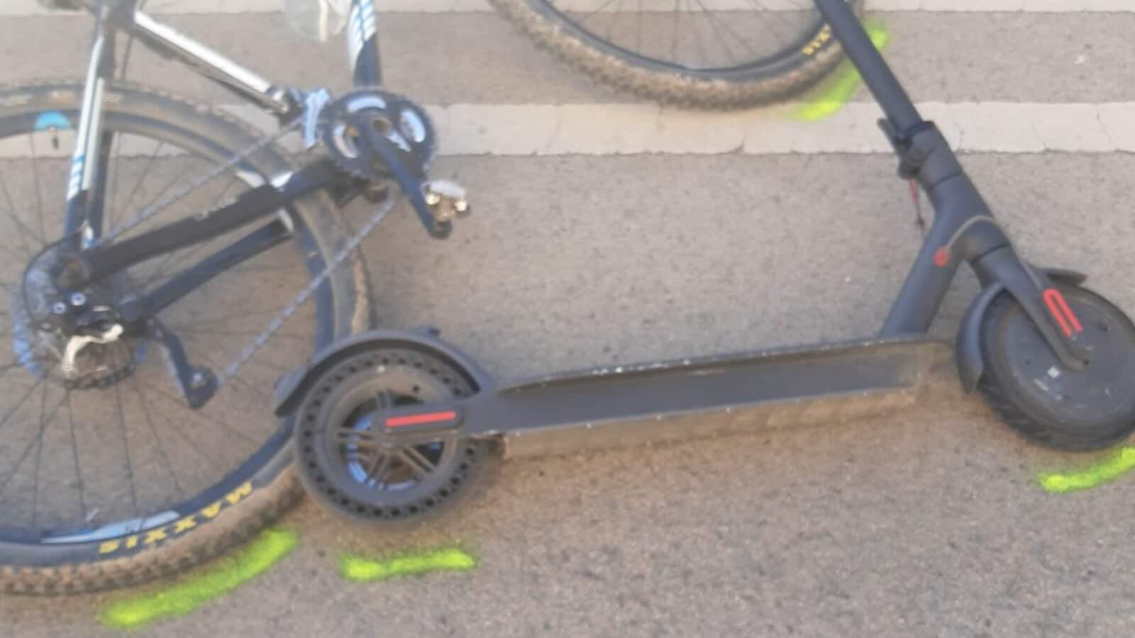 El patinet i la bicicleta implicats en l'accident
