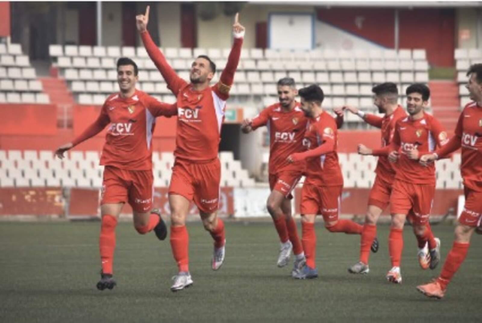 Els jugadors del Terrassa FC, celebrant el gol d'Àlex Fernández