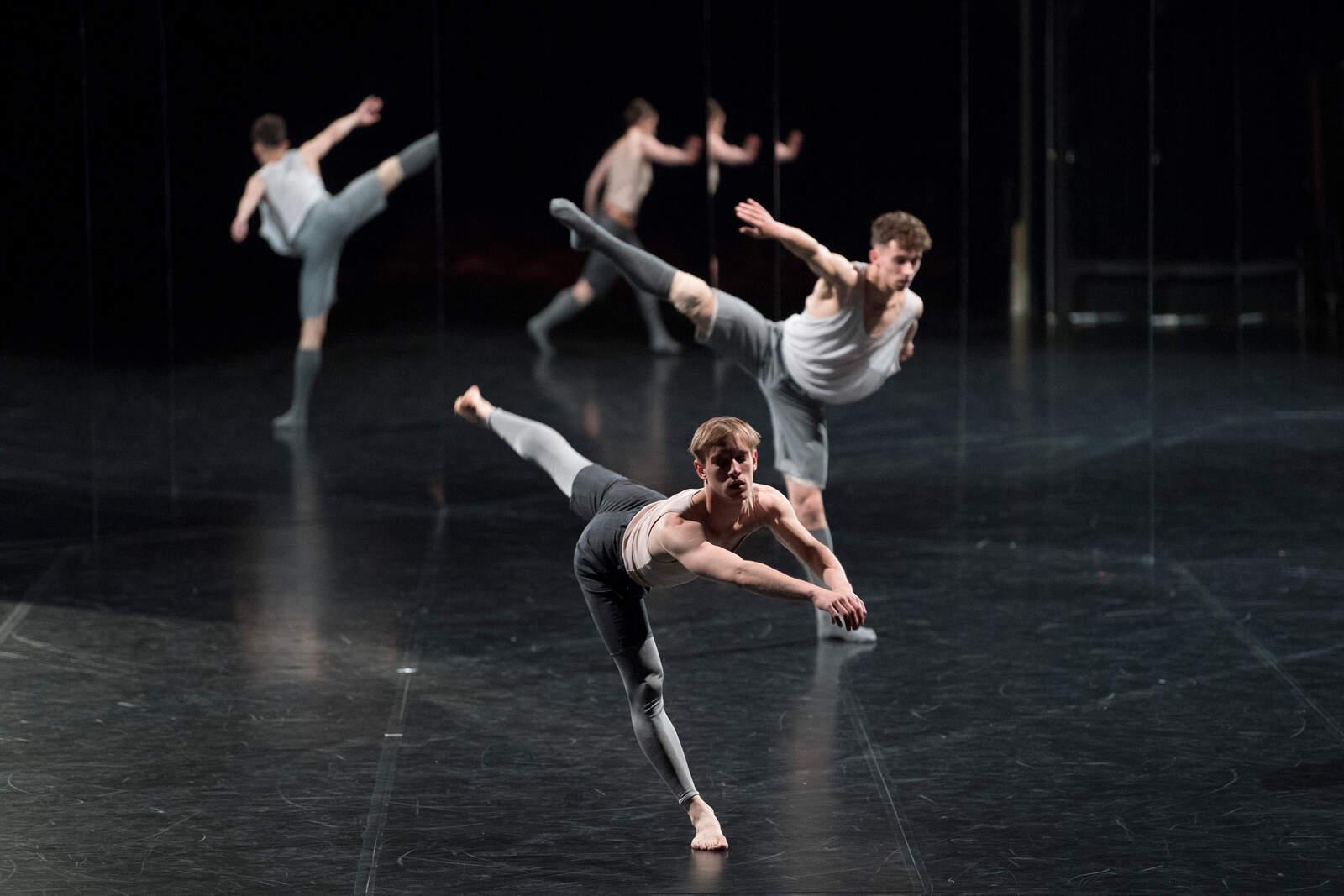 ForFourWalls, una de les coreografies de Merce Cunningham que es veuran a la Dansa Metropolitana 2021