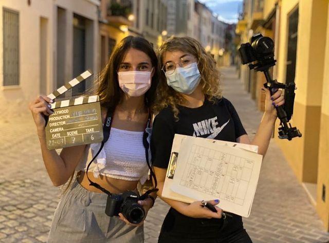 Les dues joves estudiants de Viladecavalls Xènia Penya i Laura Melgar | Cedida