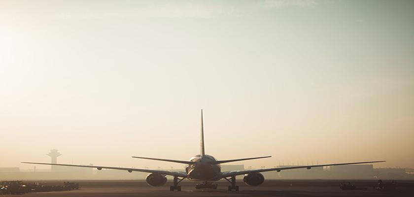 Un avió a l'Aeroport del Prat | PIMEC