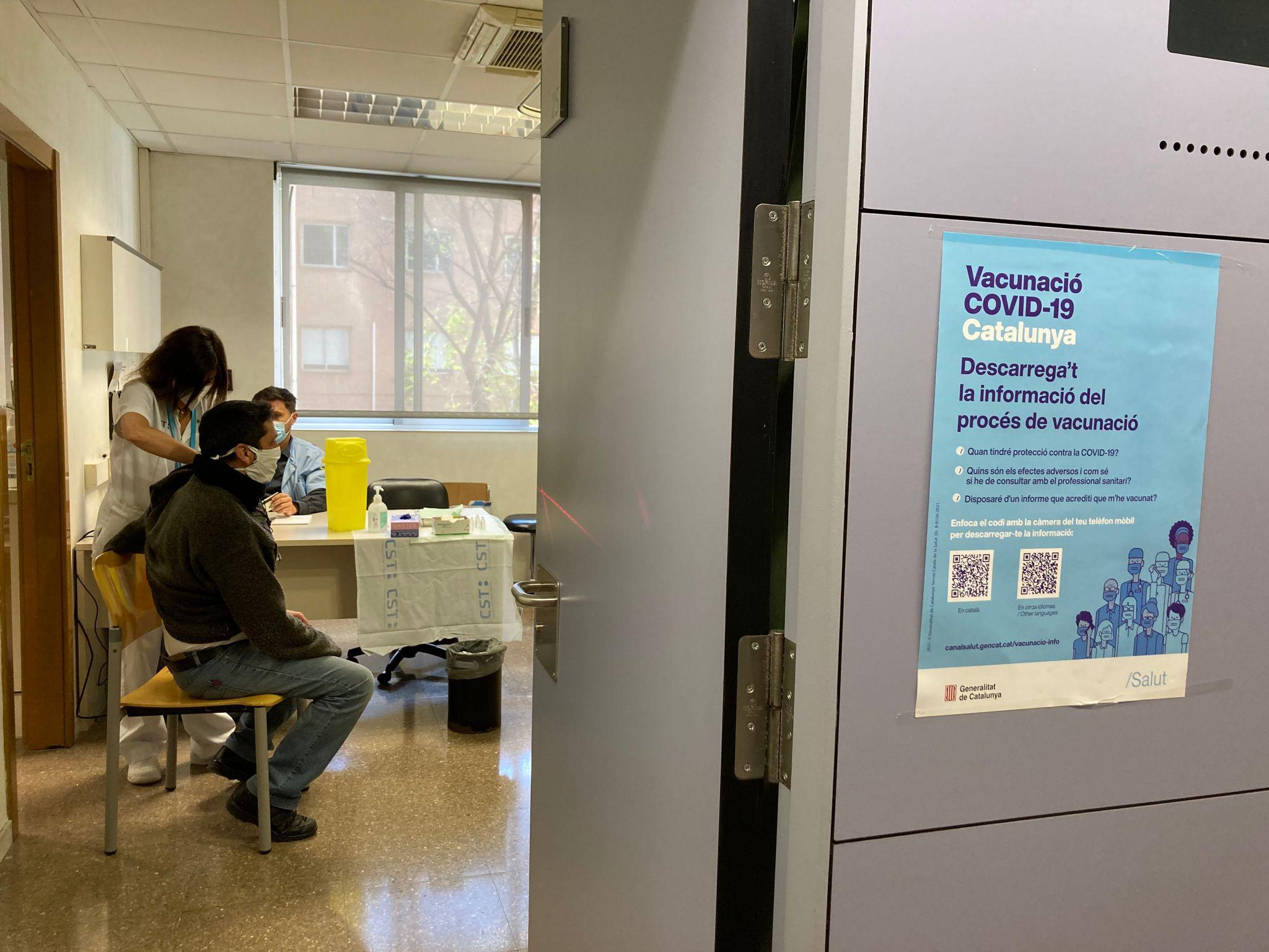Vacunació en un dels punts organitzats pel Consorci Sanitari de Terrassa   CST